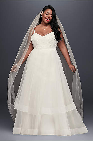 3D Floral Bodice Tulle Plus Size Wedding Dress