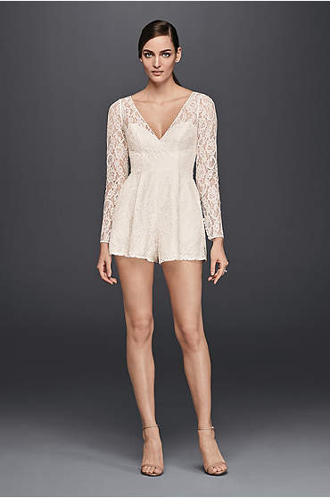 Ivory short romper with V-neck and lace sleeves