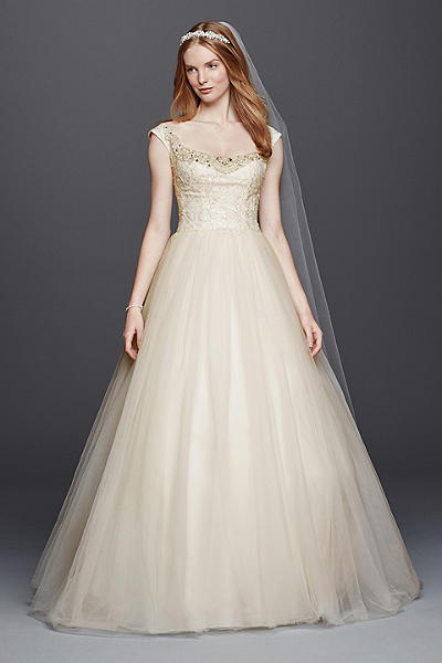 Shop Discount Wedding Dresses: Wedding Dress Sale  David&39s Bridal