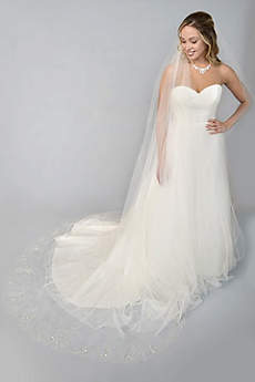 Filigree-Beaded Scalloped-Edge Cathedral Veil