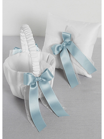 DB Exclusive Simply Chic Basket and Pillow Set DB35RPFGB