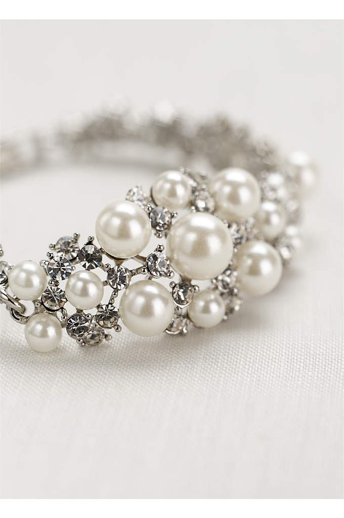 Pearl and Crystal Center Clasp Bracelet - Add a classic and sparkling touch to your