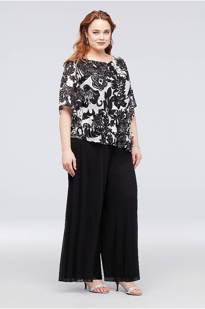 3/4 Sleeve Plus Size Top with Asymmetrical Hem - Topped with a bold floral burnout print and