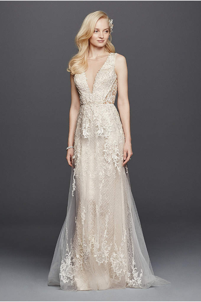 Illusion Plunging V-Neckline Tulle Wedding Dress - Embody old time glamour in this vintage inspired