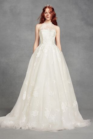 White by Vera Wang Floral Petite Wedding Dress - This romantic White by Vera Wang wedding dress