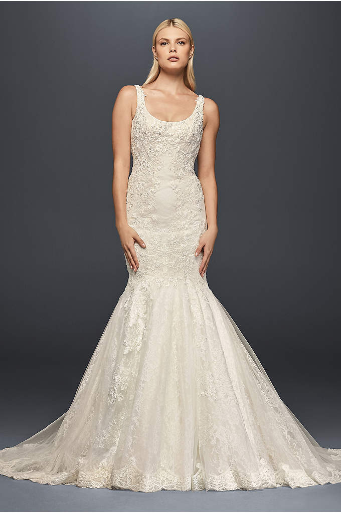 Truly Zac Posen Scoop Neck Petite Wedding Dress - Balancing the romance of floral lace and the