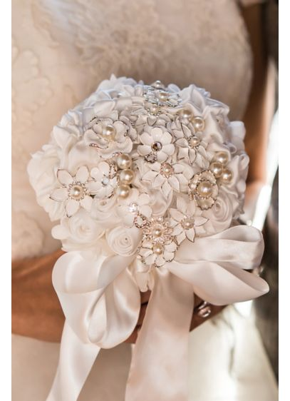 Couture Brooch Bridal Bouquet - Wedding Gifts & Decorations