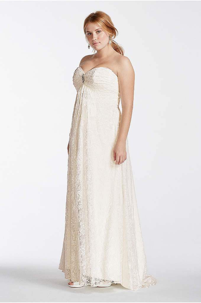 Lace Plus Size Wedding Dress With Sweetheart Neck