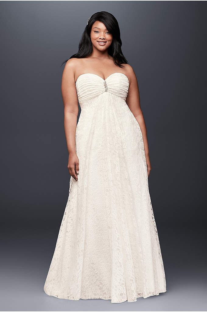 Leaf Lace Plus-Size Wedding Dress with Brooch - This soft and flowy empire-waist plus-size wedding dress,