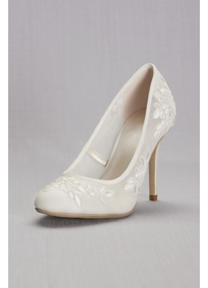 Ivory (Round-Toe Mesh Pumps with Corded Lace Appliques)