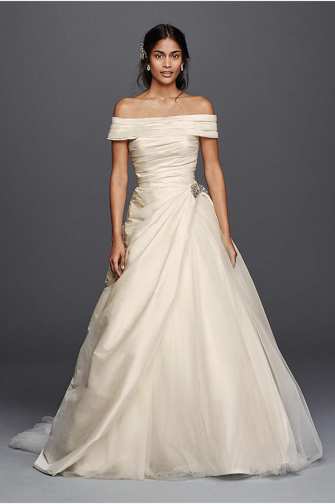 As-Is Jewel Taffeta Wedding Dress with Brooch - Combine Hollywood glamour with a regal silhouette and