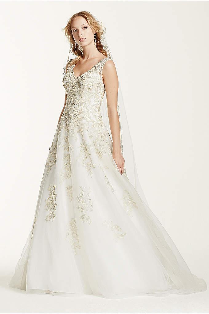 Oleg cassini v neck tulle ball gown wedding dress david for Jewel neckline wedding dress