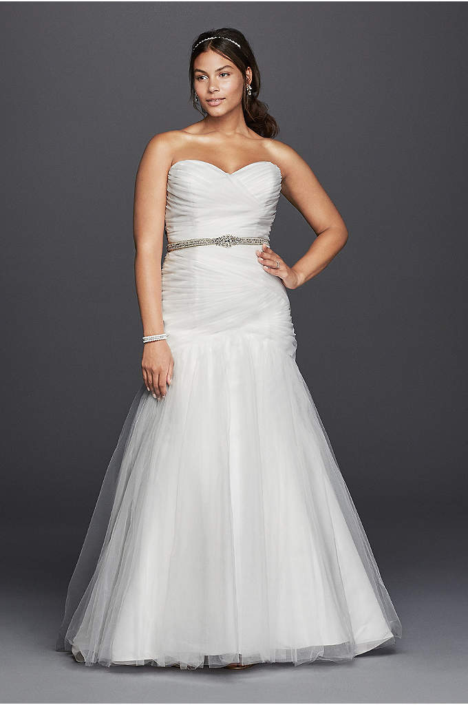 As-Is Strapless Mermaid Plus Size Wedding Dress - From the sweetheart neckline to the ethereal tulle