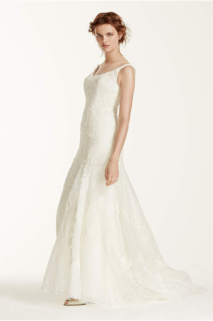 As-Is Venise Lace Tumpet Wedding Dress - The perfect mix of grace and style, this