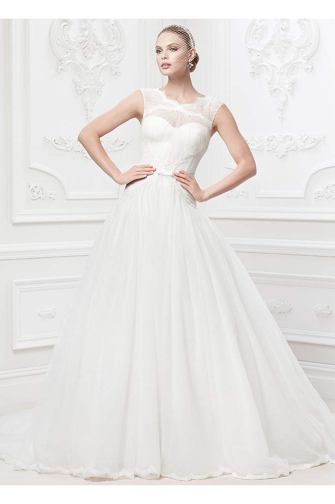 As-Is Truly Zac Posen Lace and Tulle Wedding - Delicately designed to create an enchanting and romantic