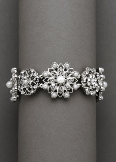 Silver and Pearl Stretch Bracelet B132377