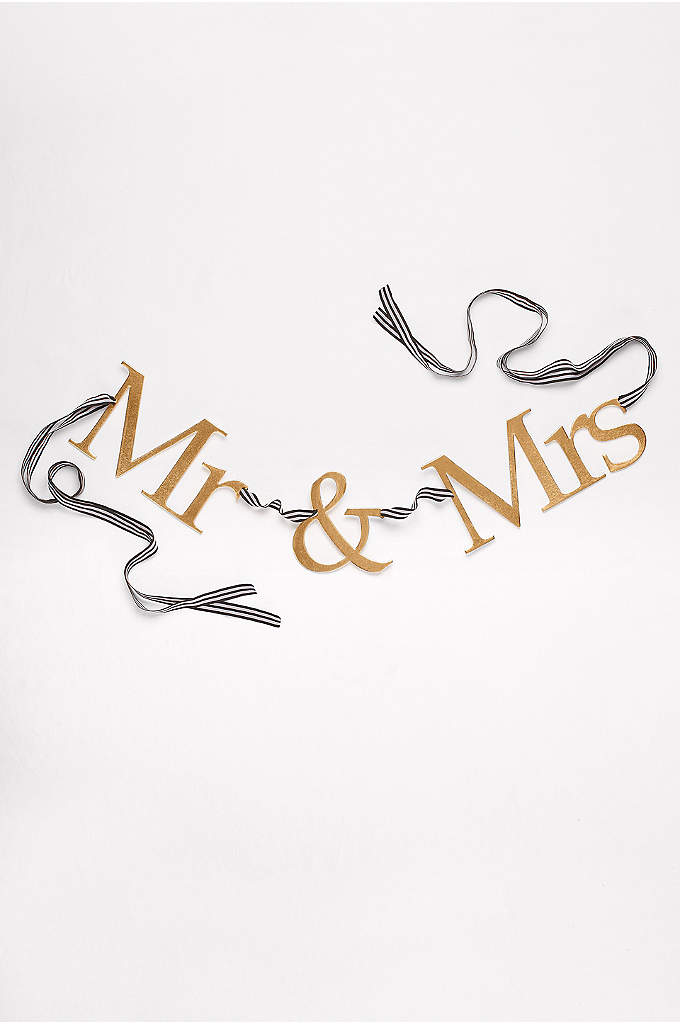 Mr and Mrs Wood Banner - This Mr. & Mrs. banner is strung on