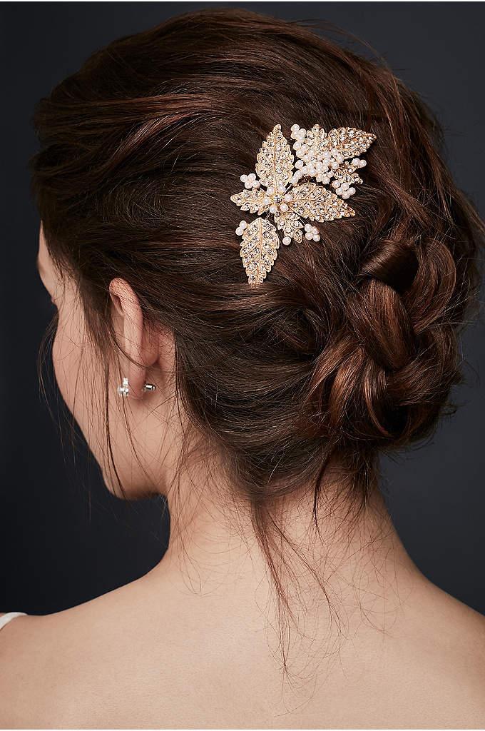 Floral Comb with Pearl and Crystals - A gorgeous look for securing a veil, adorning