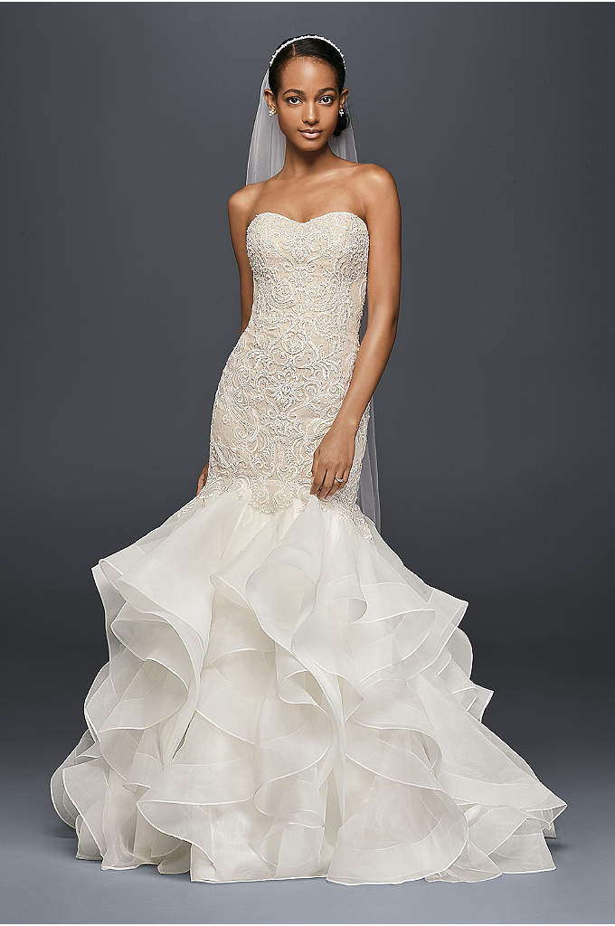 Scroll Lace Trumpet Wedding Dress - The structured organza skirt of this trumpet wedding