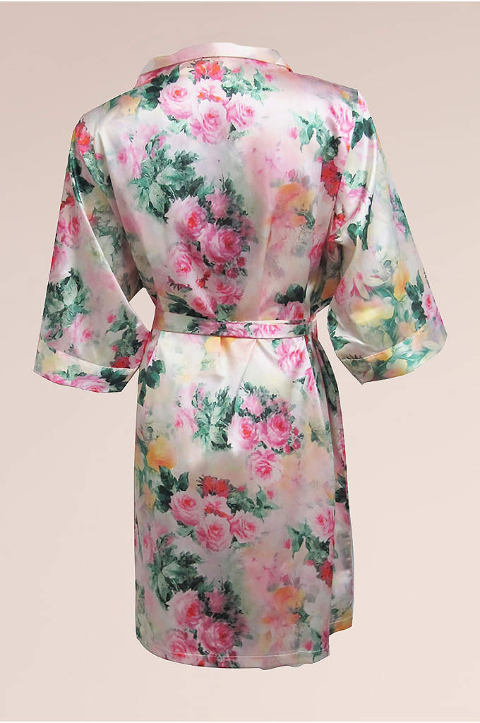 DB Exc Pastel Floral Robe - This David's Bridal Exclusive floral print robe makes