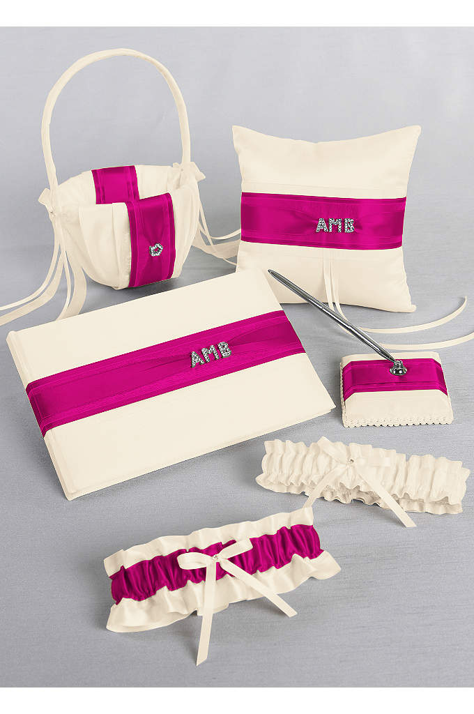 DB Exclusive Personalized Monogram Gift Set - This classy gift set features a base of