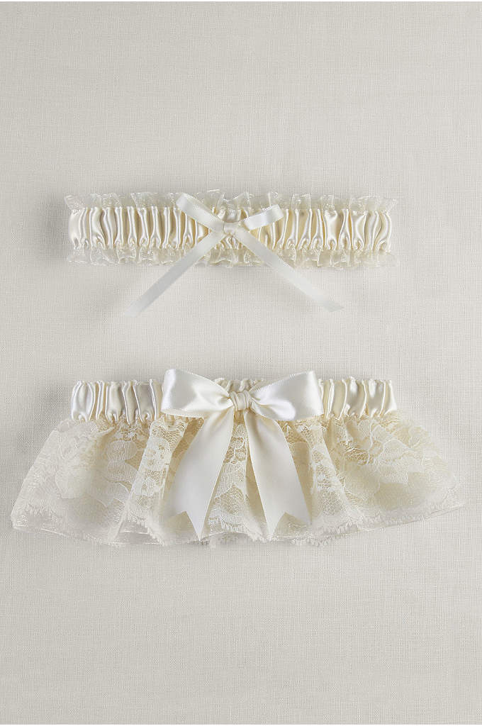 Layered Lace Organza Bridal Garter Set - This ruffled lace garter features a petticoat of