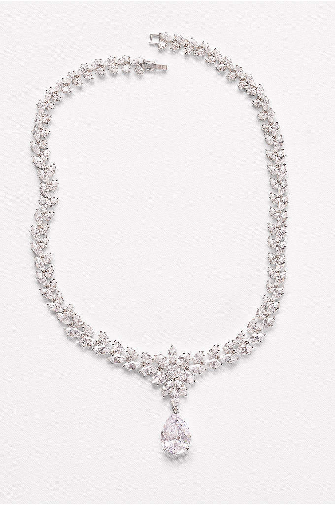 Extravagant Cubic Zirconia Collar Necklace - A statement necklace featuring sparkling cubic zirconia flora