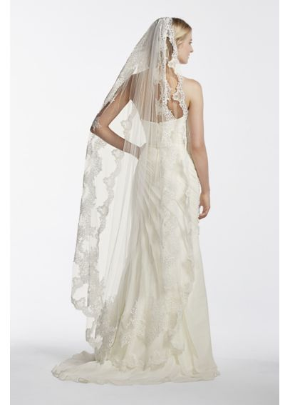 Single Tier Mid Length Scalloped Edge Veil GA003