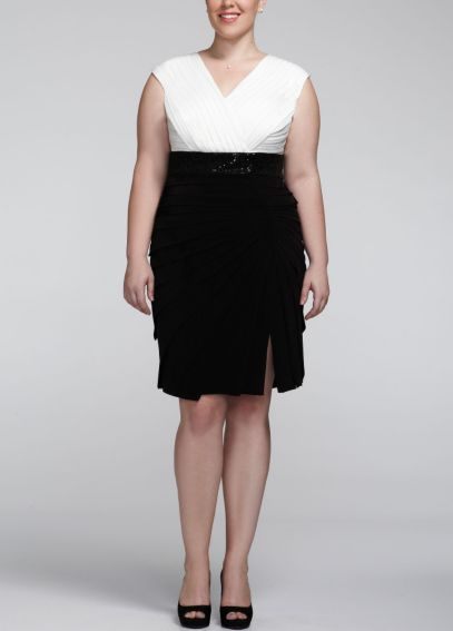 Short Cap Sleeve Jersey Dress with V-Neckline LR855W