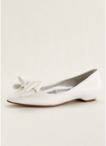 Caparros Ivory (Caparros Ballet Flat with 3D Bow Detail)