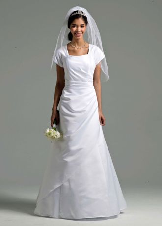 Wedding dresses for short brides pictures should have been deleted