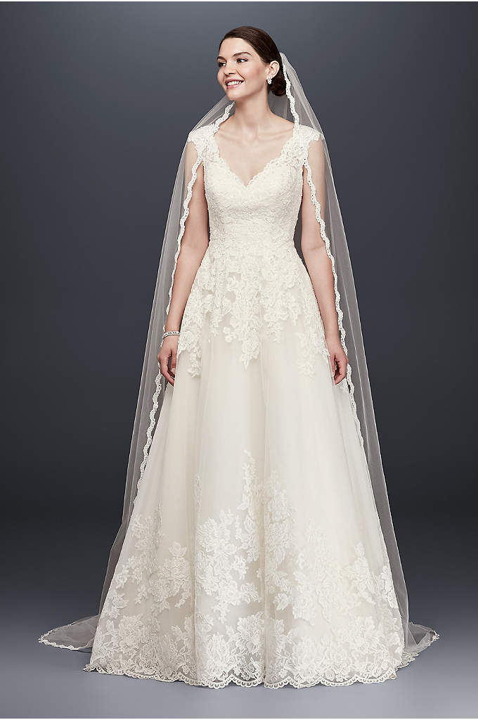 Single Tier Cathedral Veil with Lace Detail - A time-honored classic, the lace-edge cathedral veil is
