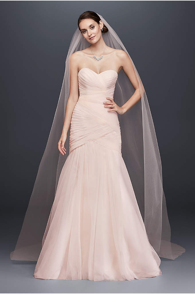 Single-Tier Raw Edge 120-Inch Cathedral Veil - Stylishly simple, this lengthy tulle cathedral veil is