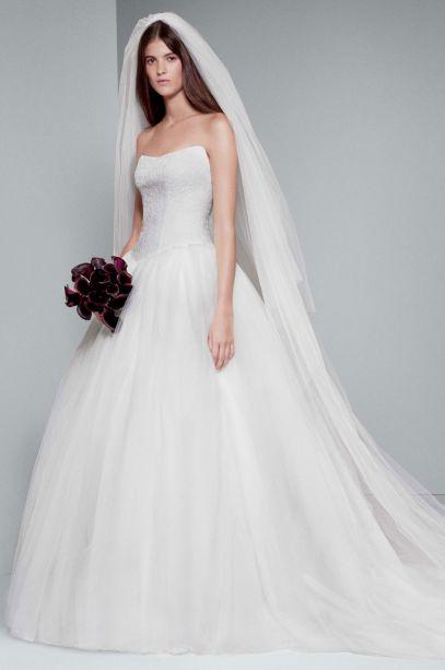 White by Vera Wang Chantilly Lace Wedding Dress | David's Bridal