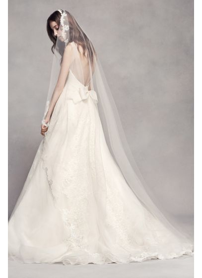 Scalloped Lace Edge Cathedral Veil - Wedding Accessories