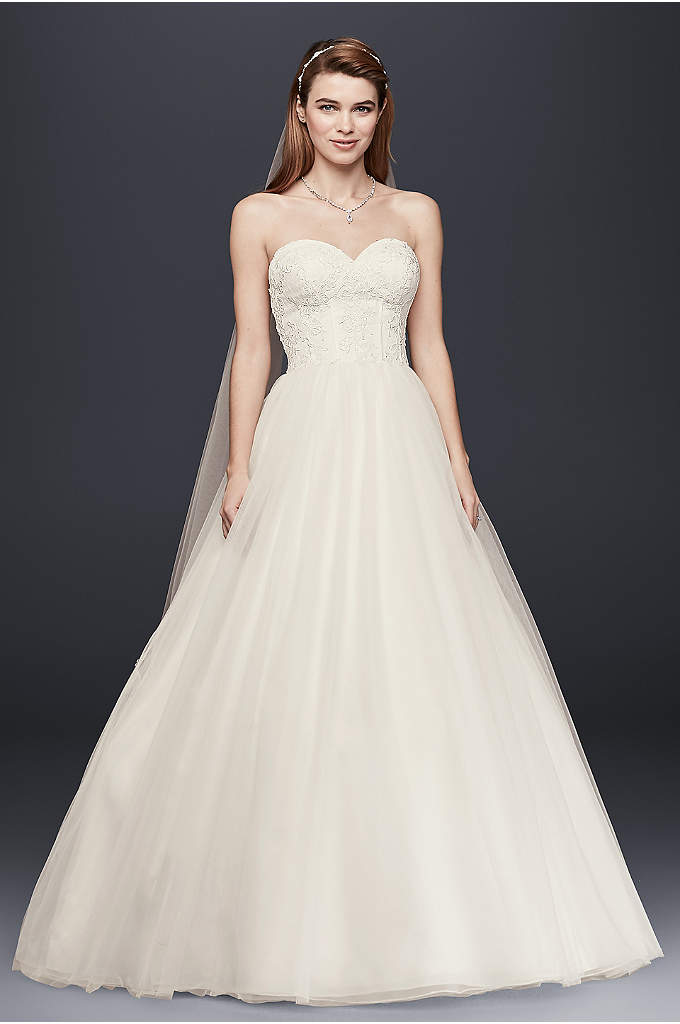 Strapless Wedding Dress with Lace Corset Bodice - This strapless wedding dress is the perfect combination