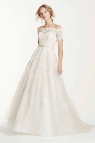 Lace wedding dress with sleeves off the shoulder