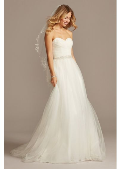 Strapless sweetheart tulle wedding dress davids bridal for Wedding dress heart shaped neckline