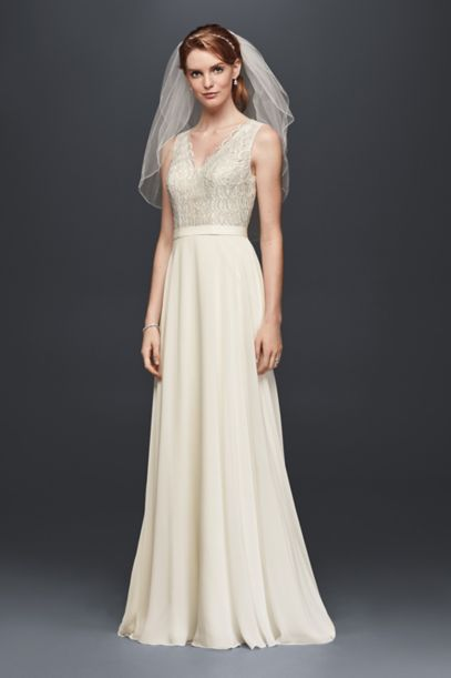 Scalloped Lace Wedding Dress with Chiffon Skirt | David's Bridal