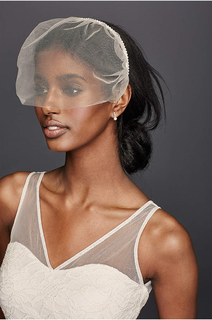 Tulle Headband Blusher - Make a bold statement effortlessly in this simple