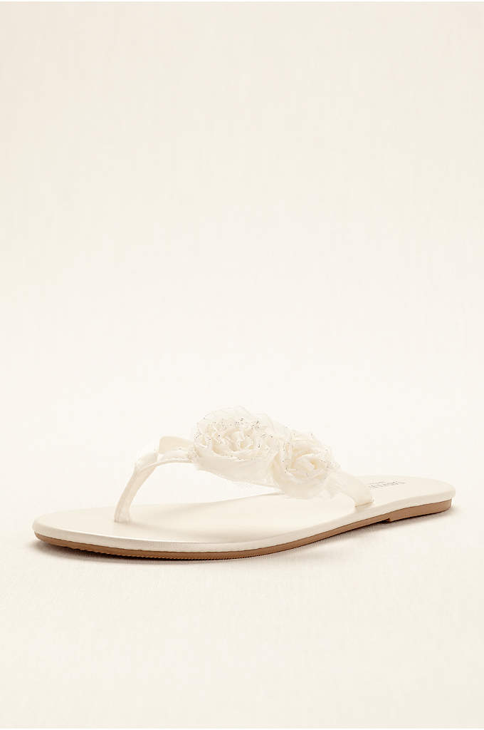 Zoey Flip Flop - This versatile and comfortable flip flop is perfect