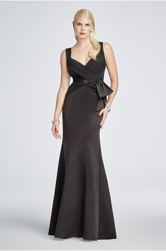 Long Fit and Flare Halter Dress with Tank - Accentuate your curves in this fit and flare