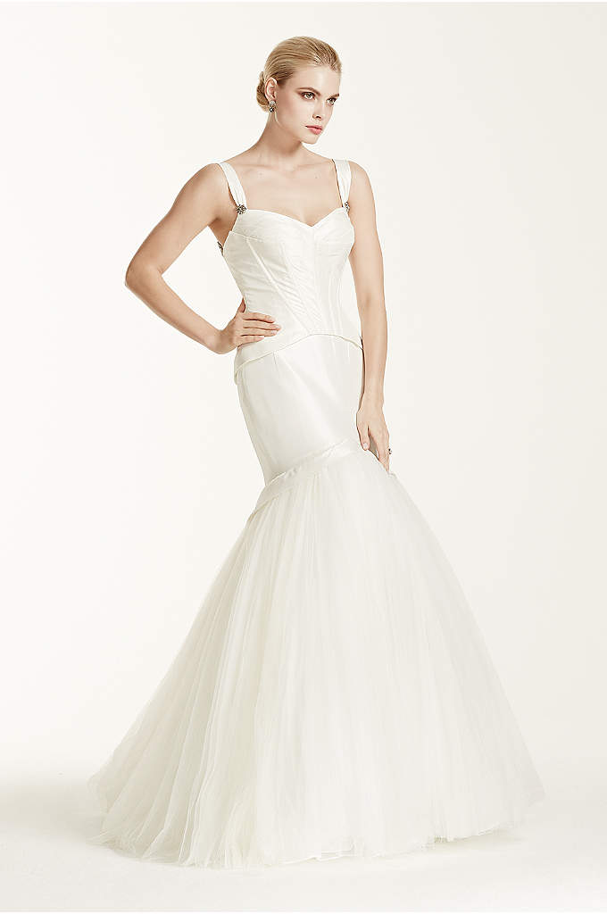 Truly Zac Posen Corset Seam Wedding Dress - Expertly crafted and exquisitely designed to create a