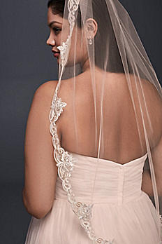 Lace-Edged Whisper Pink Elbow Veil V100