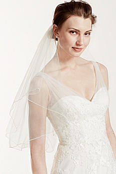 Short Veil with Wire Flower Pearl Comb V9036