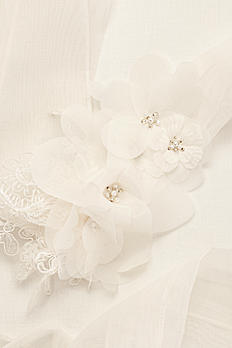 Garza Sash with Lace Appliques VW370135