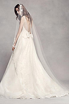 Scalloped Lace Edge Cathedral Veil VW37V01