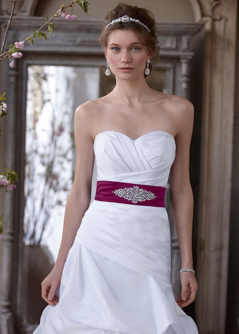 Dropped Waist Strapless Sweetheart Wedding Gown WG3444