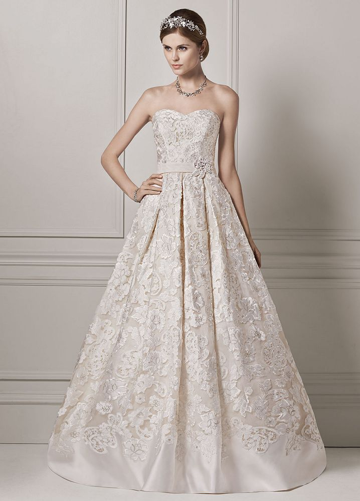 Oleg cassini strapless organza ball gown wedding dress for Wedding dress designer oleg cassini
