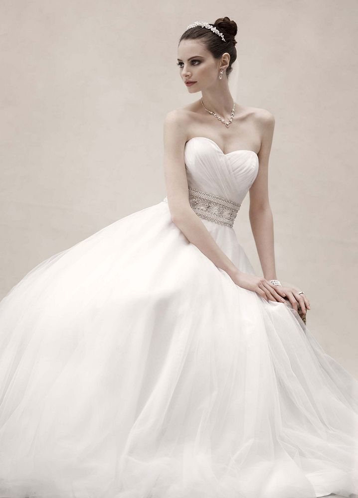 Oleg cassini strapless tulle ball gown wedding dress with for Ball gown tulle wedding dress